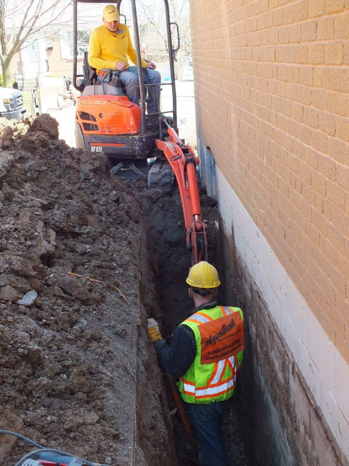 Aquaseal Toronto Outside Dig Basement Foundation Wall Crack Toronto in Toronto 1-800-NO-LEAKS