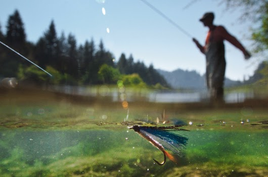 Attractions west columbia gorge chamber of commerce for Hood river fishing