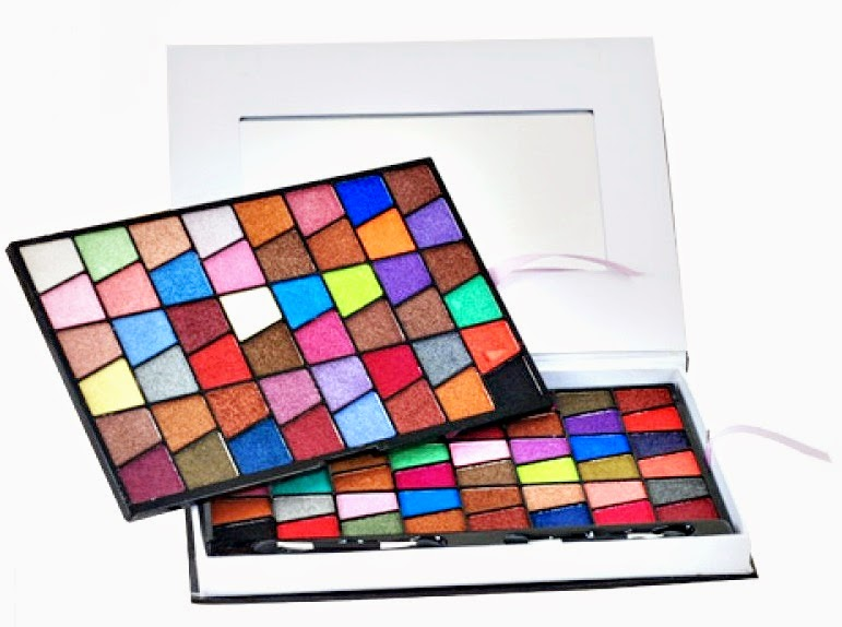 http://www.pinceisemaquiagem.com.br/products/Paleta-de-Sombras-96-cores-3D-%252d-Jasmyne.html/?ref=3370
