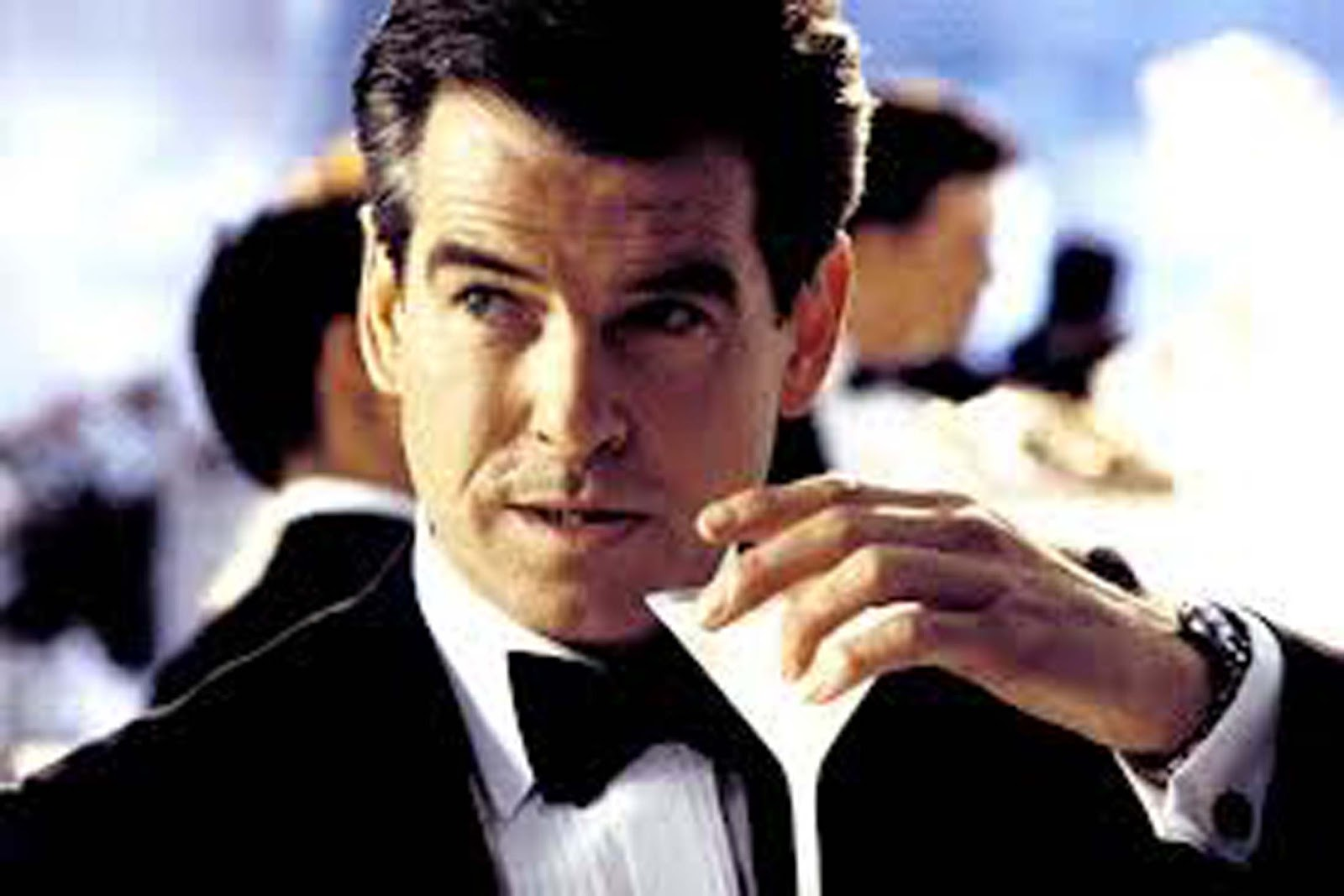El secreto que se esconde tras el vodka martini de james bond for Cocktail 007 bond