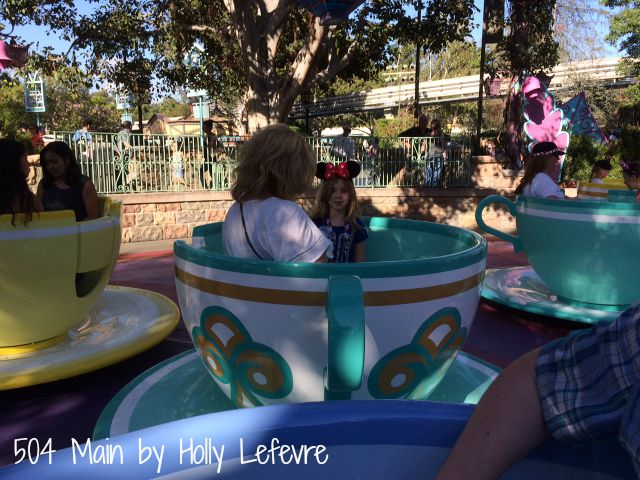 Famiy fun on the tea cups