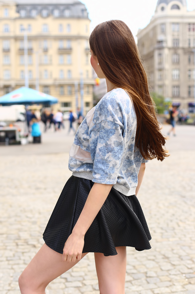 blue floral blouse black leather skirt outfit