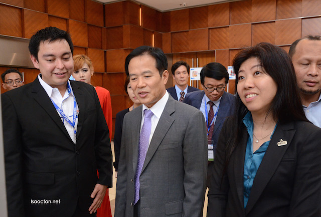 Mr Alfred Tan, CEO of MyAppsZil, The Ambassador of Korea to Malaysia H.E Cho Byung Jae 조병제, and Dato' Ng Wan Peng COO of MDeC