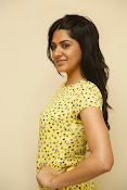 Sakshi chowdary sizzling pics-thumbnail-20