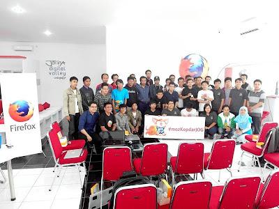Foto Bersama MozKopdarJOG di Jogja Digital Valley