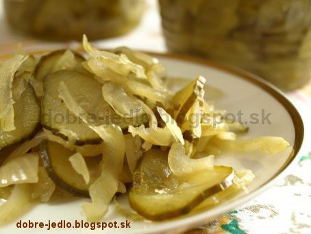 Sterilizovaný uhorkový šalát - recepty