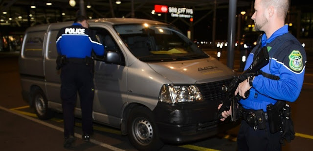 A busca continua por cinco potenciais terroristas ISIS em toda a Suíça