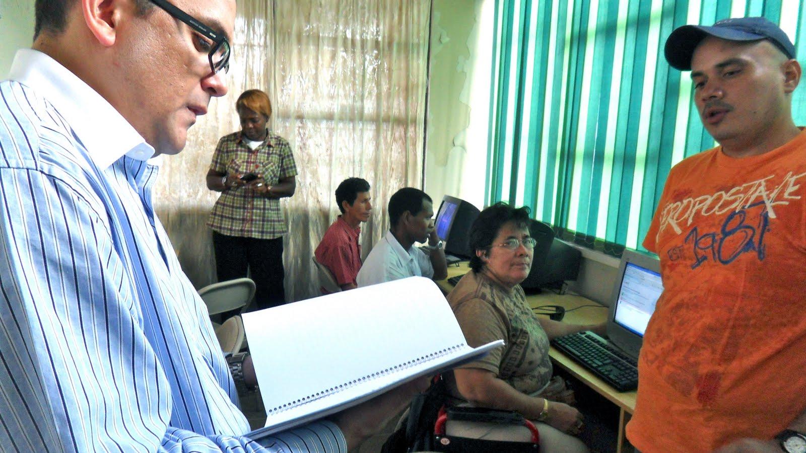 Ministerio de ciencia y tecnolog a micit renueva equipo for Ministerio de ciencia