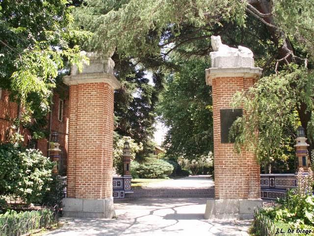 Madrid con encanto jardines de cecilio rodriguez en el for Jardines cecilio rodriguez