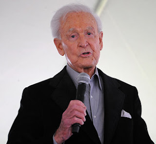 Pictures Portal: How tall is Bob Barker?