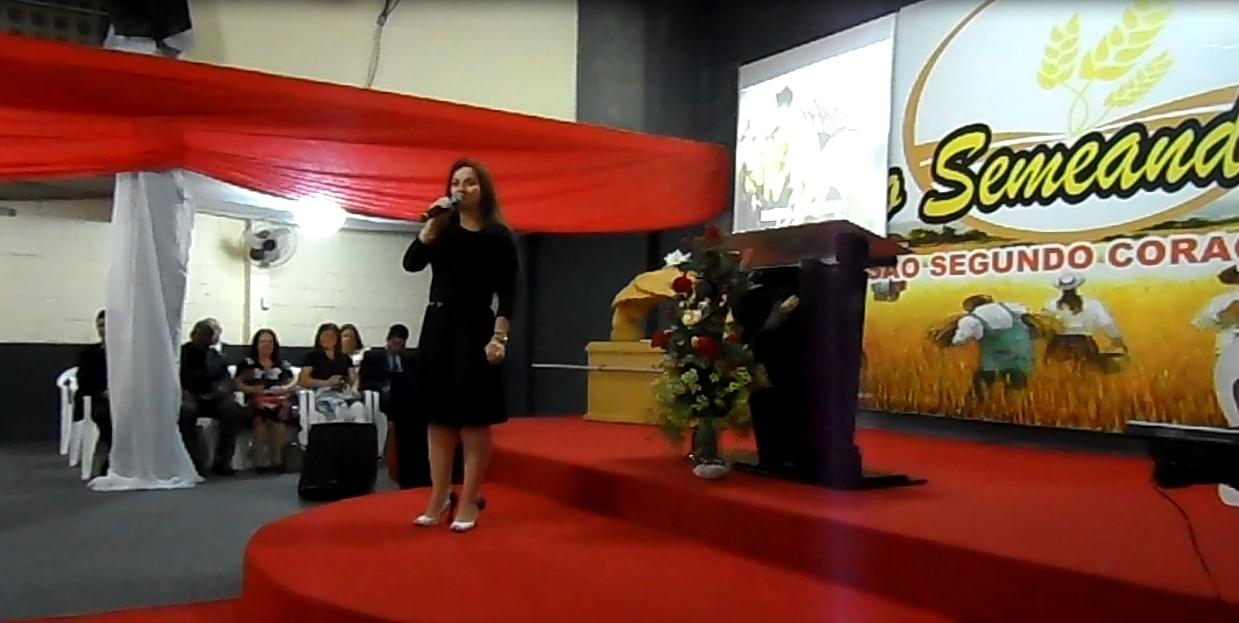 Festa do 1º Aniversário do Projeto - Dia 07/11/13 - Participação da cantora Lauriete