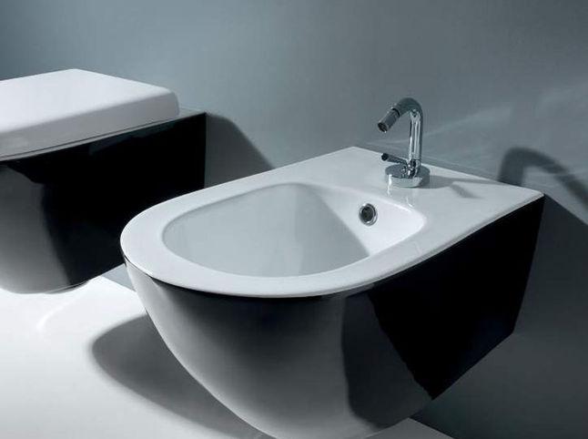 L 39 architetto risponde ambiente bagno ultime tendenze karmarchitettura - Sanitari bagno sospesi neri ...