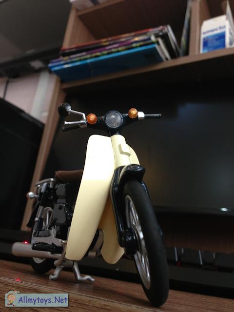 Honda Super Cub model bike toy 5