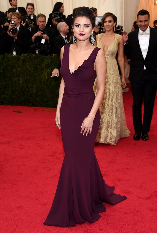 Selena Gomez - Met 2014 Baile Melhores Looks