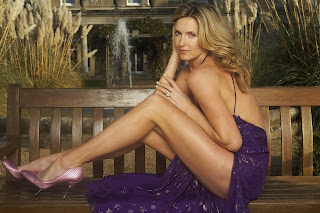 Penny Lancaster sexy thighs