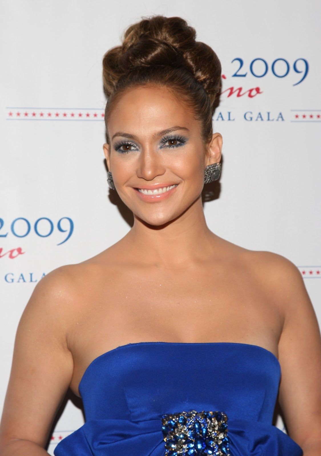 Jennifer Lopez at Award show in Blue Dress