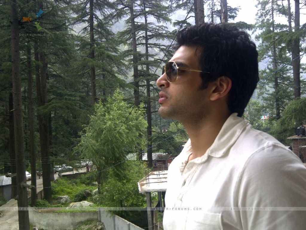 Star Plus Actor Karan Kundra Wallpapers .
