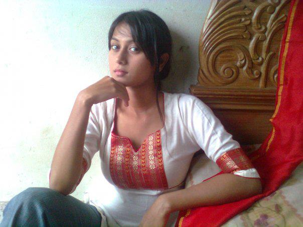 Model Nairuz Sifat Tanni Latest Photo