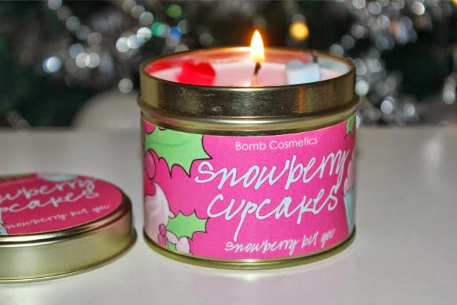 Bomb Cosmetics Snowberry Cupcakes Candle