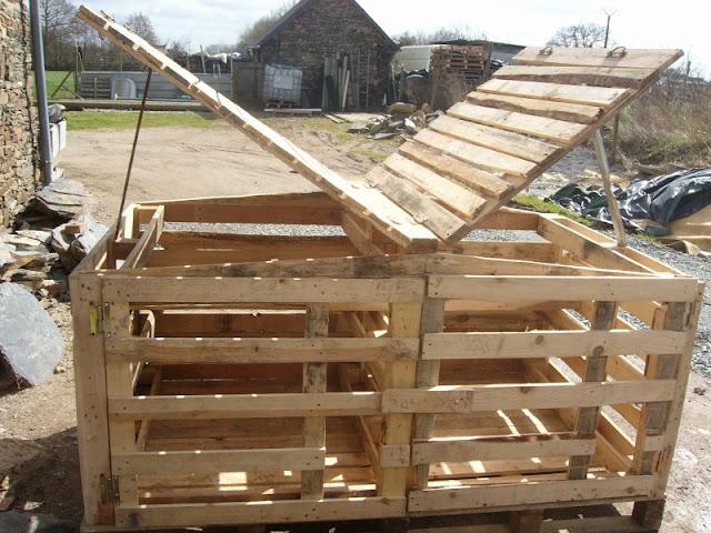 Riciclare pallet come costruire un pollaio - Alzare tetto casa ...