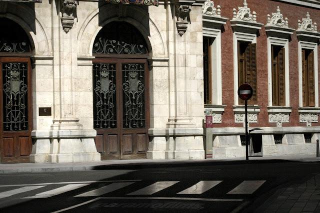 Entrada al Palacio, 2012 (cc) Abbé Nozal