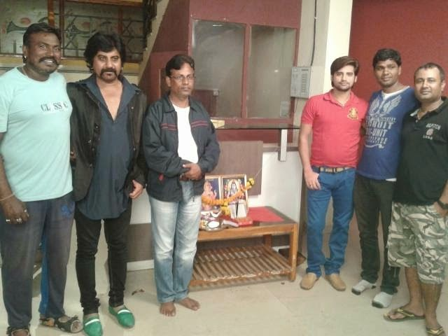 Rakesh Mishra & Team of New Bhojpuri Upcoming Movie 'Pyar Ki Pukar' Muhurat : Photo 2