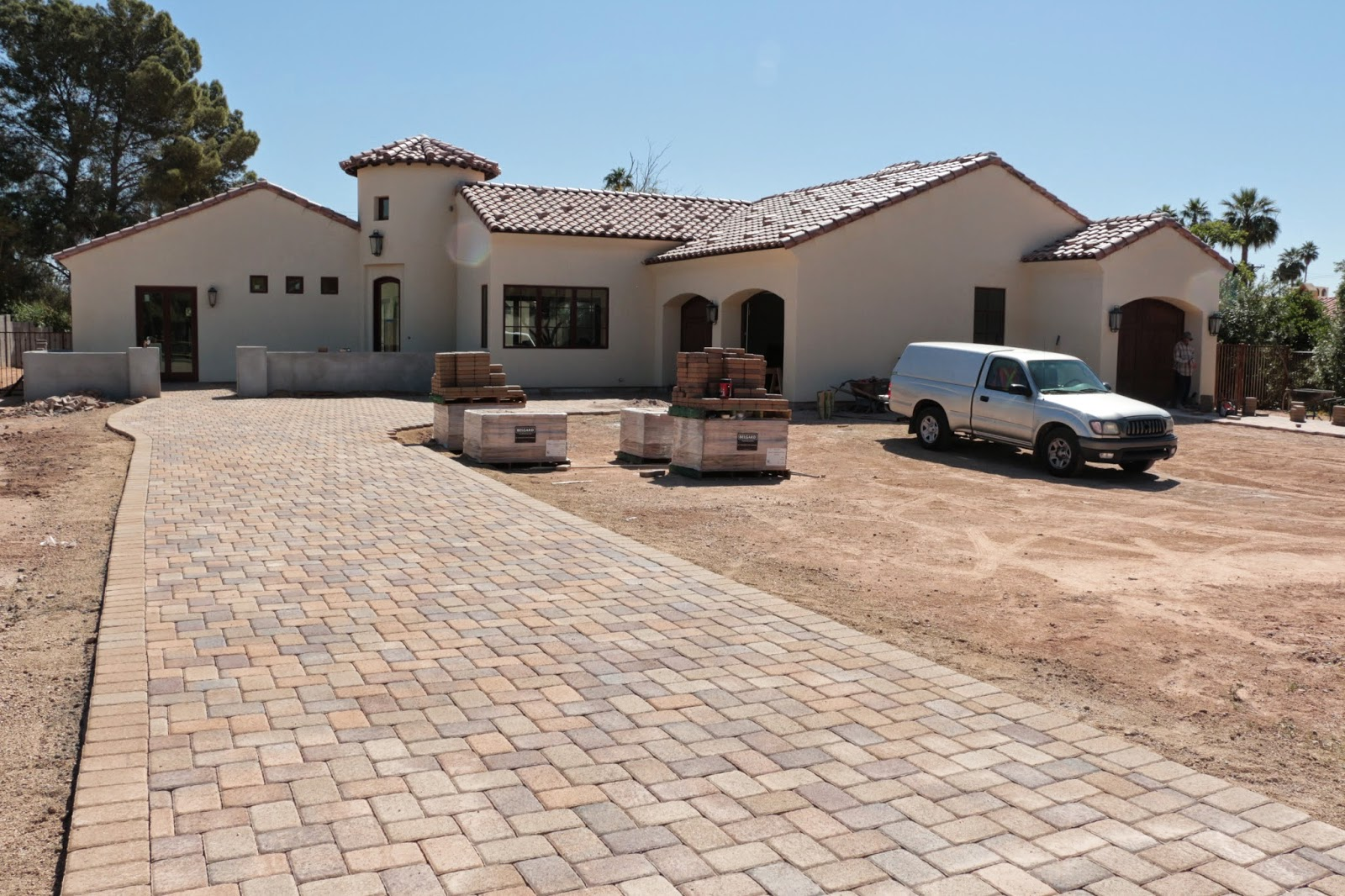 belgard pavers, belgard pavers in mohave and toscana mix