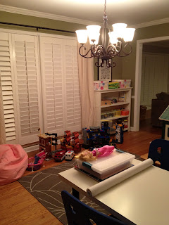 Turn the dining room into a playroom - thediybungalow.com