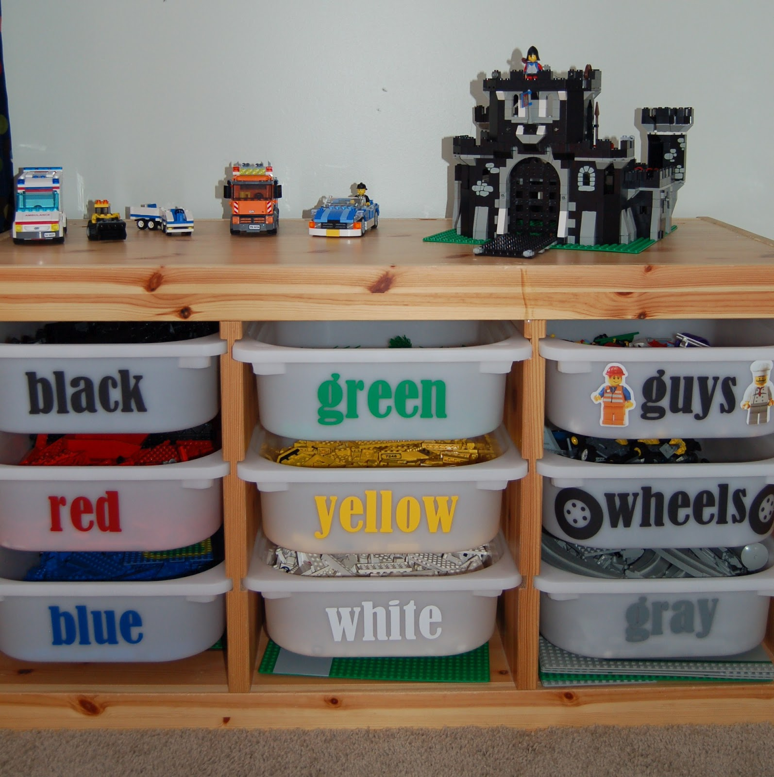 All I needed were the words cut out in the right colors to sort ALL those Legou0027s and a few cheap bins from Ikea! So hereu0027s our storage. & I Am Momma - Hear Me Roar: Feature Friday - Lego bins