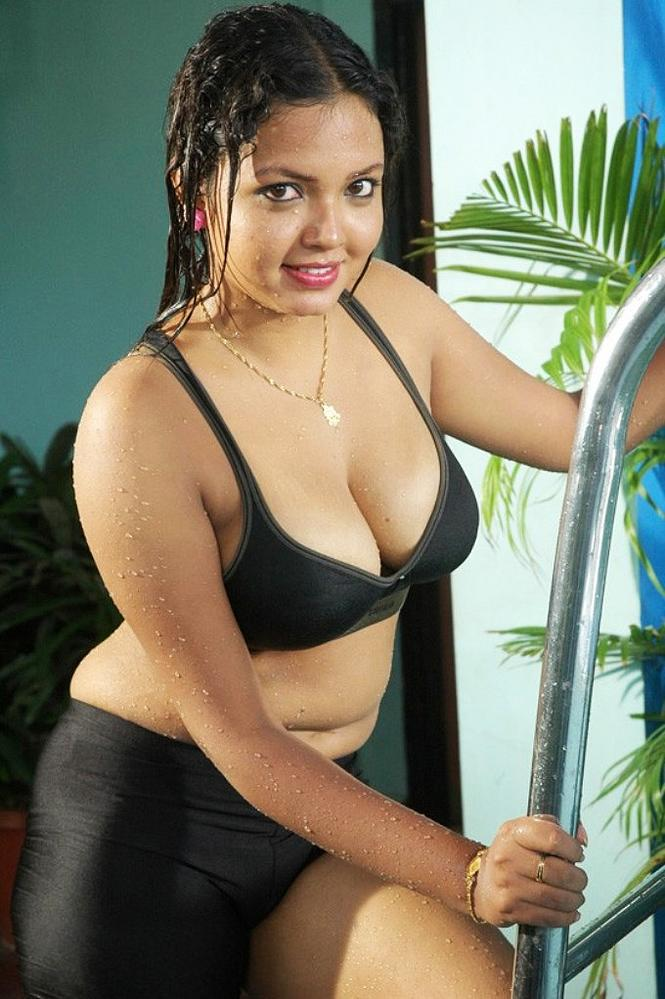 Endless Wallpaper: Bhojpuri Sexy Actress