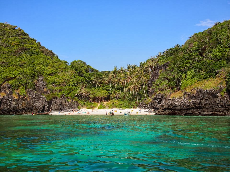 stylish phuket travel guide
