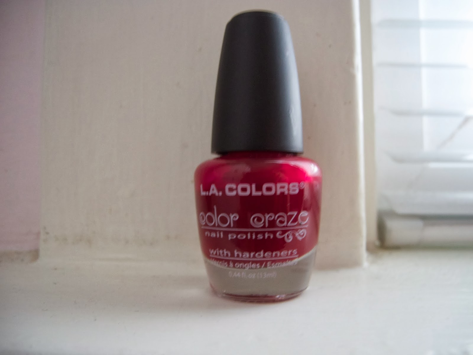 so weird: L.A. Colors color craze nail polish ♥ Transformer Review