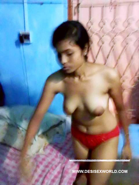 Result of 19yrs Teen Indian College Girl Shows Boobs