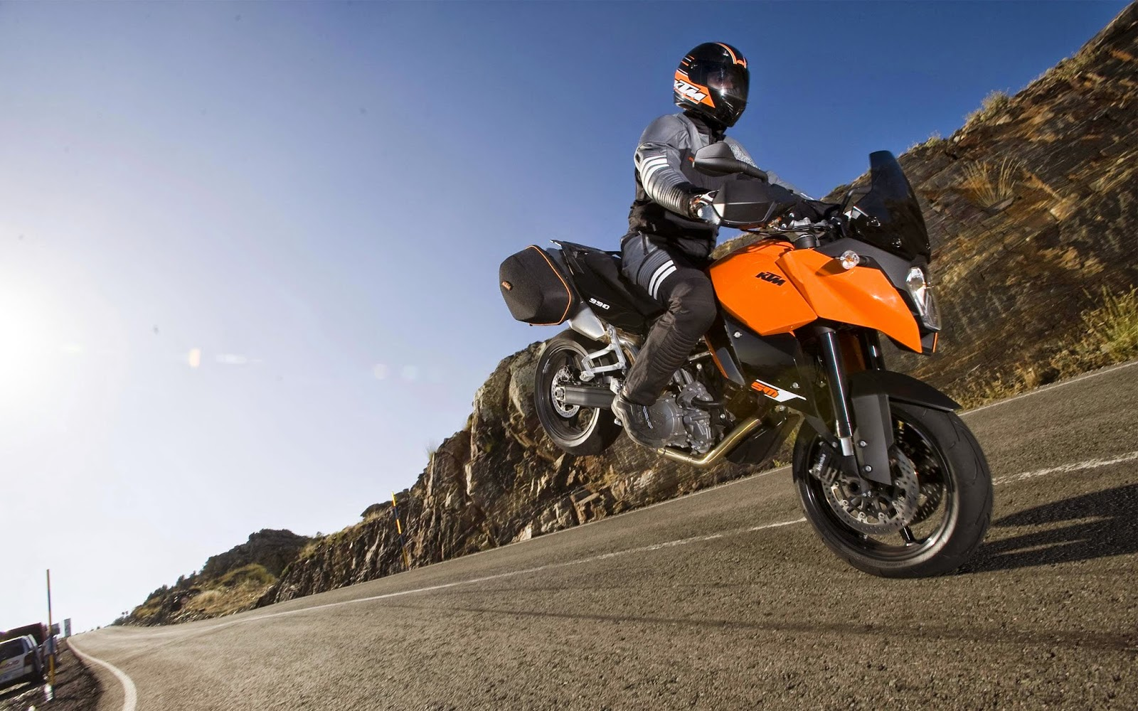 KTM 990 Supermoto T Bikes Reviews