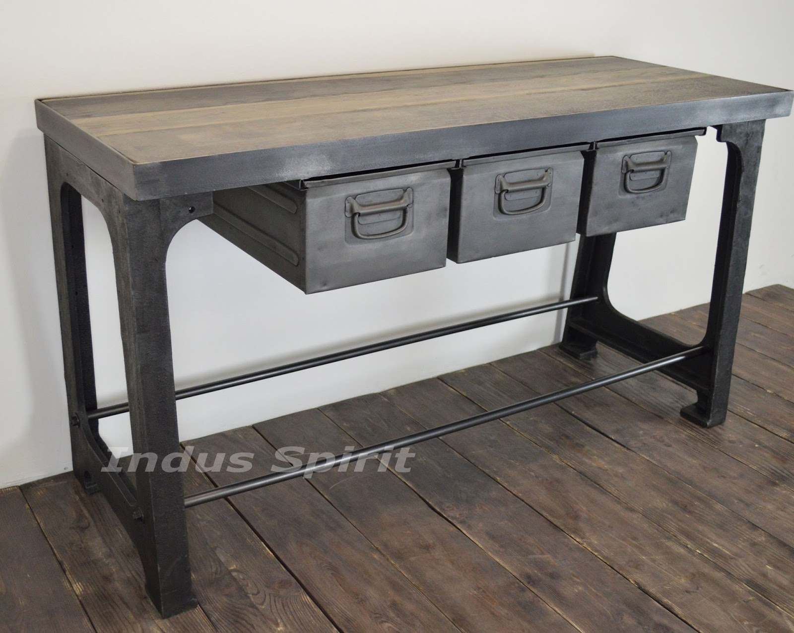 console industrielle. Black Bedroom Furniture Sets. Home Design Ideas