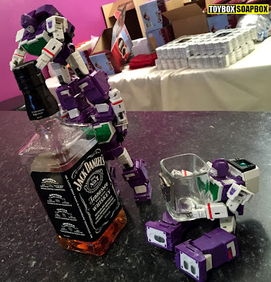 Maketoys visualizers trio on the jack daniels