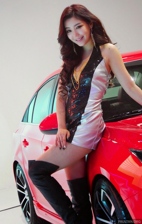 Annyeong Haseyo di Seoul Motor Show 2013