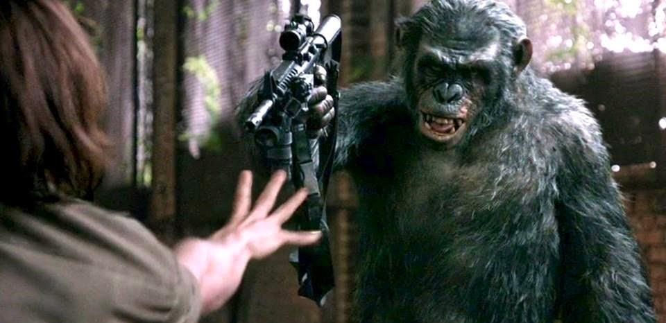 Koba ataca os humanos em clipe inédito de Planeta dos Macacos: O Confronto, com Andy Serkis e Toby Kebbell