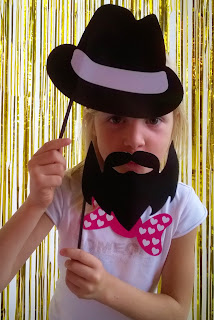 Photobooth idea cardboard beard, hat and bow photoprop