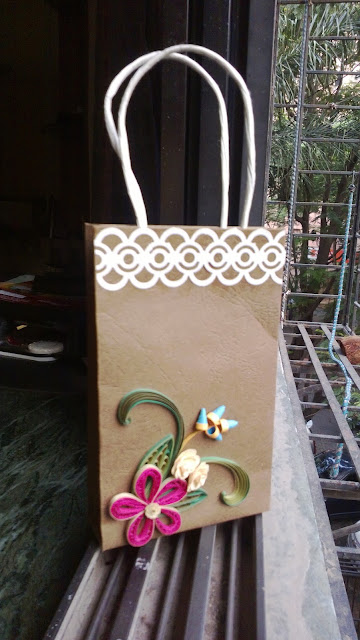 Paper quilling gift item