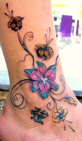 Leg Tattoos Designs for Girls