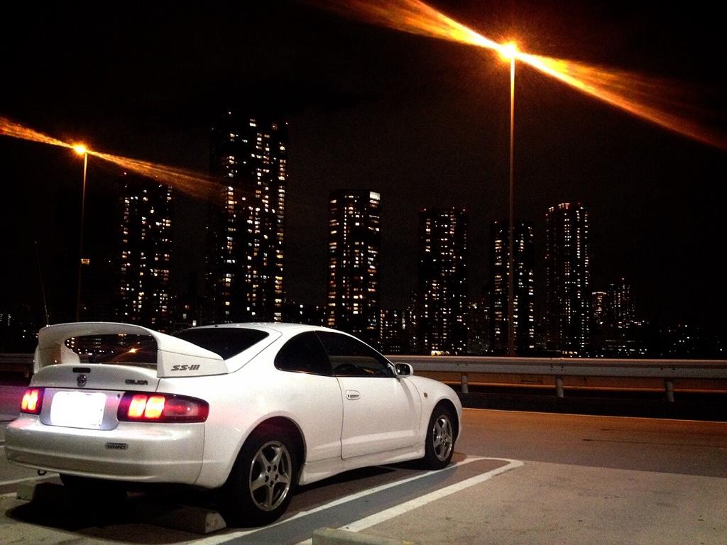 Toyota Celica T200, kultowe sportowe samochody, fajne auta z lat 90, zdjęcia aut nocą