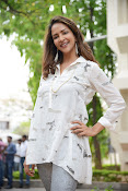 Lakshmi Manchu latest photo shoot gallery-thumbnail-18