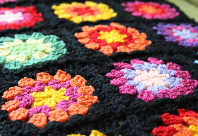 Nittybits Seventies Granny Square Blanket Tutorial