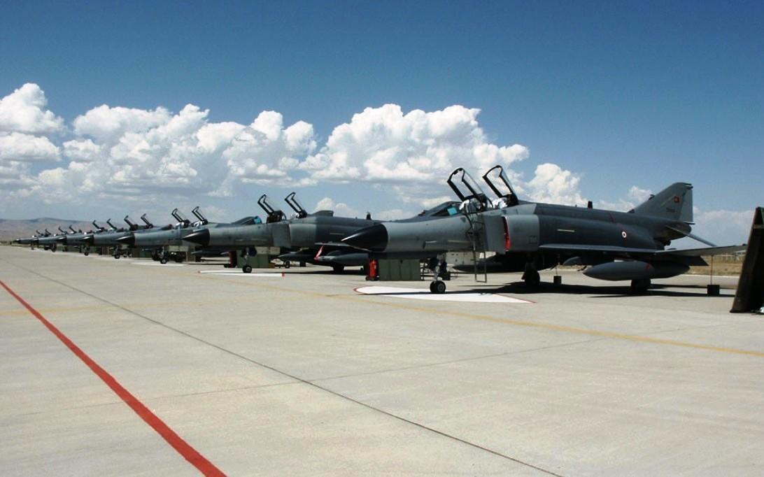 F-4 Phantom II Fighter Jet Wallpaper 2