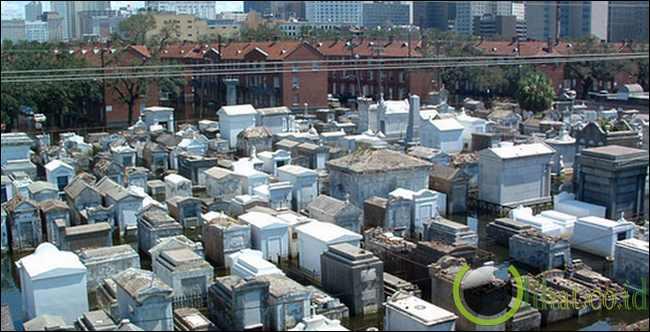 St Louis Cemetery, USA