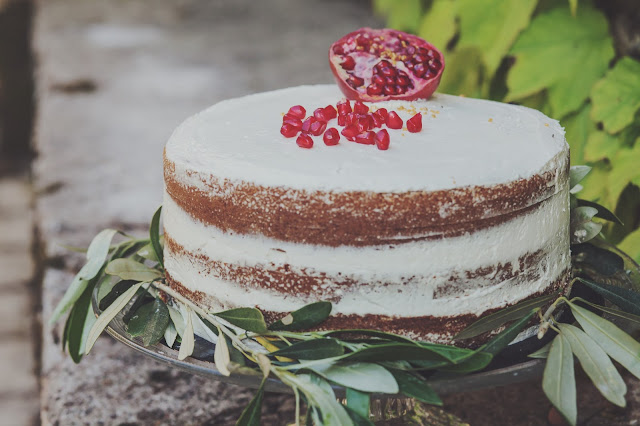 wedding cake pomegranate