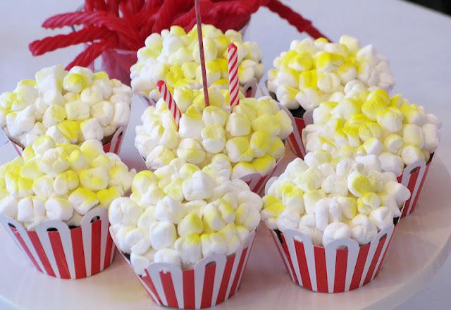 Juneberry Lane: Oscar Night! Festive Popcorn Cupcakes . . .