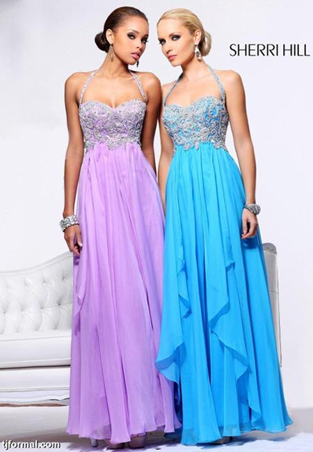 Дълги рокли в лилаво и светлосиньо с ефирни поли на етажи и бюстиета през врата