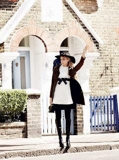 Cara Delevigne in Vogue 4.jpg